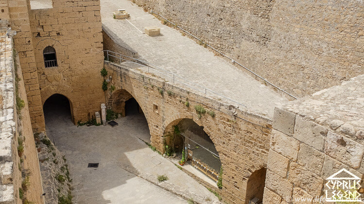 История киренийского замка