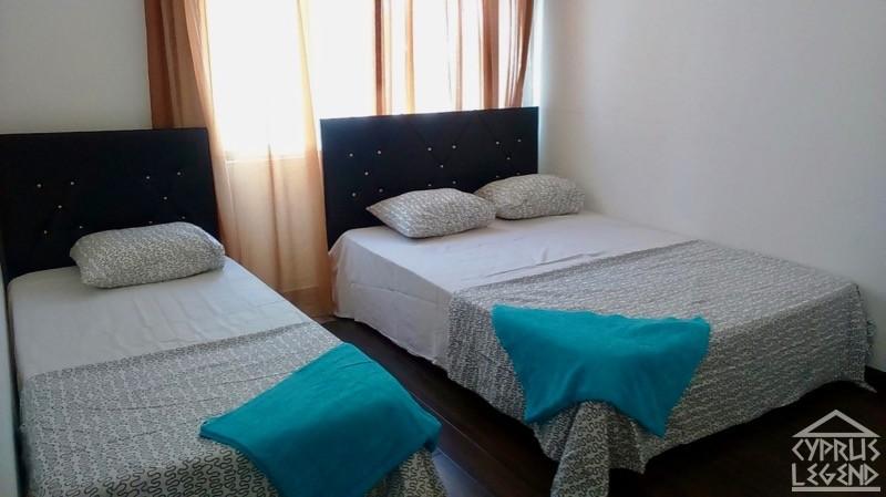 Трехкомнатные апартаменты в центре Кирении