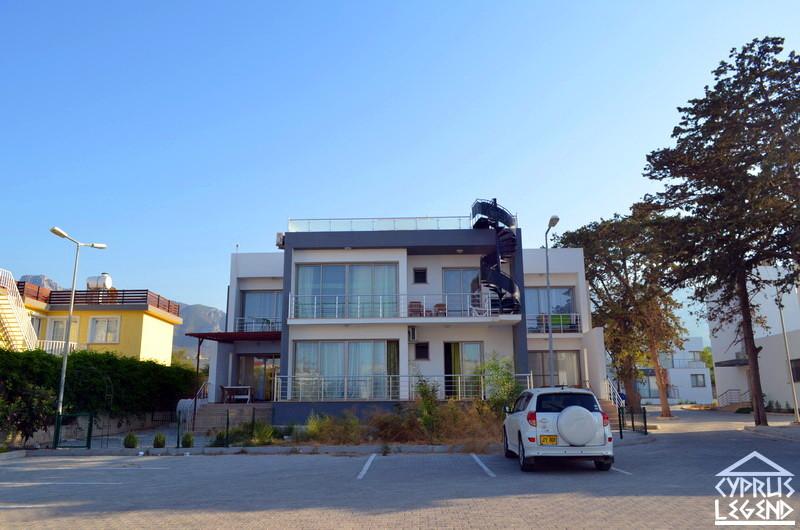 Трехкомнатный пентхауз в жилом комплексе в 300 метрах от моря