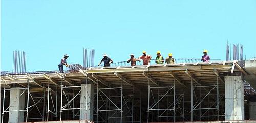 Работы по удалению двух незаконных этажей в строящемся отеле начинаются